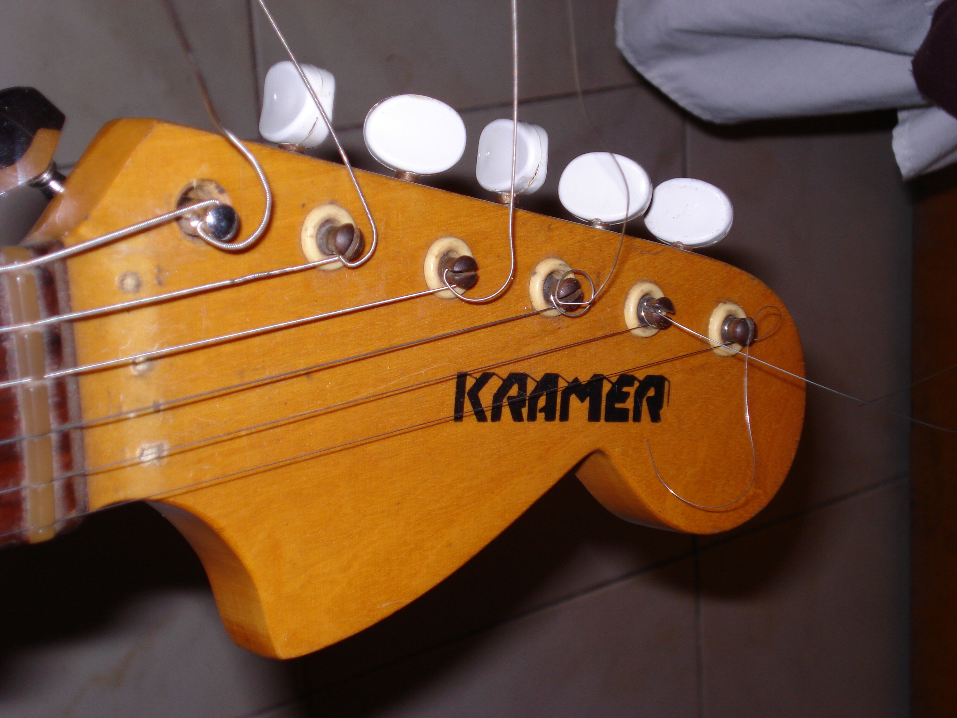 Fotos de Guitarras y Bajos de Gente comun